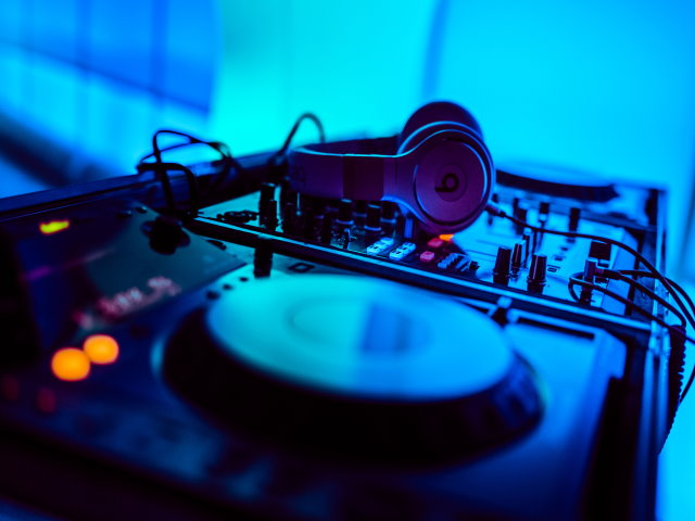 Mobile Turnkey DJ Business for Sale