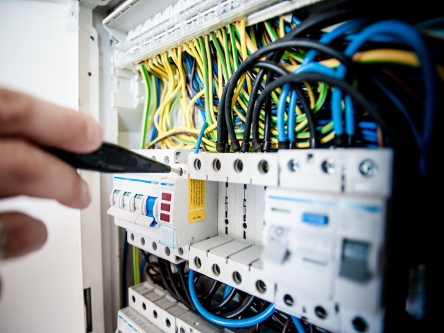 Electrical Contractor in Business