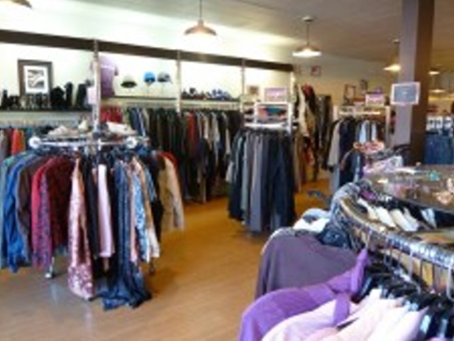 Trendy Women's Clothing Consignment