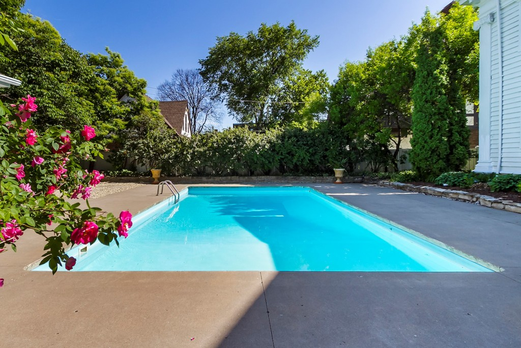 COVID-Proof Pool Maintenance and Supply